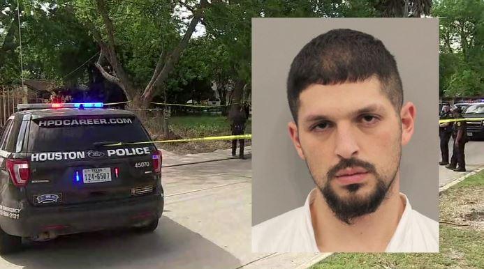 El reporte de la policía indica que el sospechoso Oscar Ochoa le disparó a Alfredo Garcnica durante un altercado.