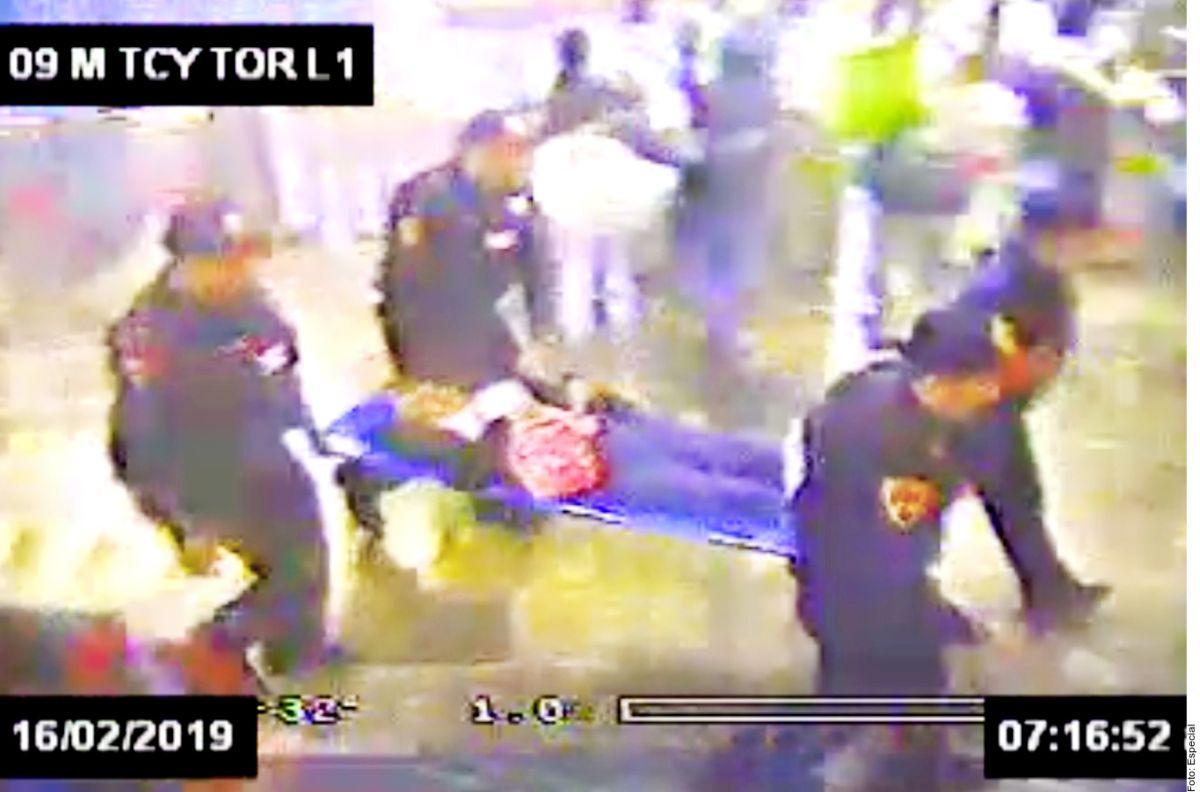 Paramédicos confundieron embolia con ebriedad en mujer que murió en el Metro de la CDMX