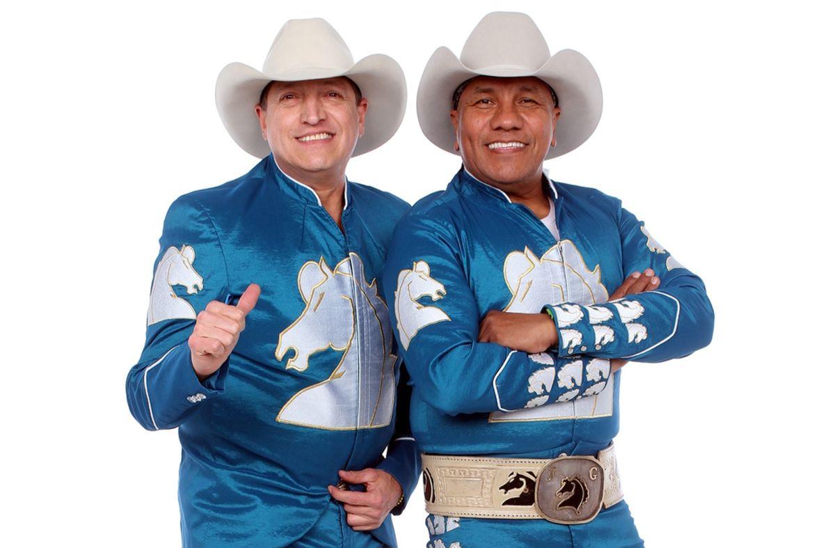 Ramiro Delgado y Lupe Esparza del grupo Bronco