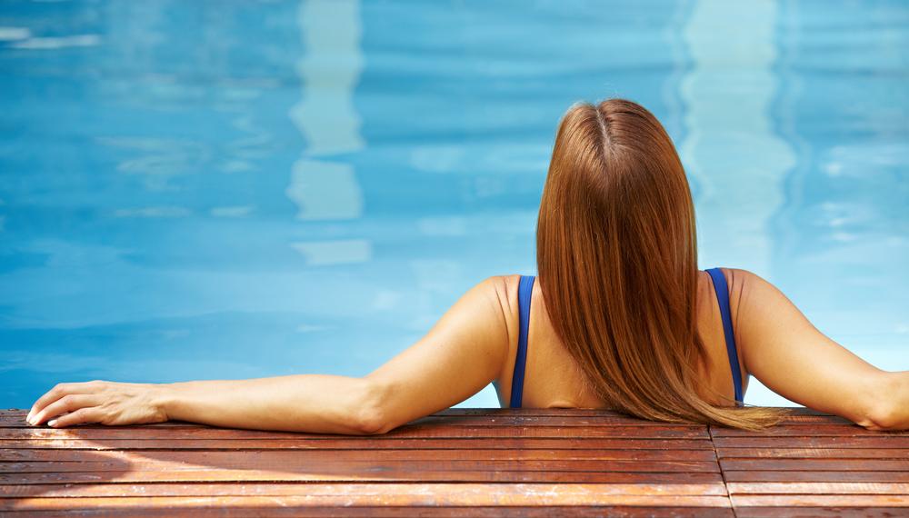 Los 4 mejores tintes de pelo a prueba del sol y del agua de piscina