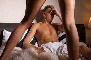 Los 10 grandes errores sexuales que hombres y mujeres cometen en la cama