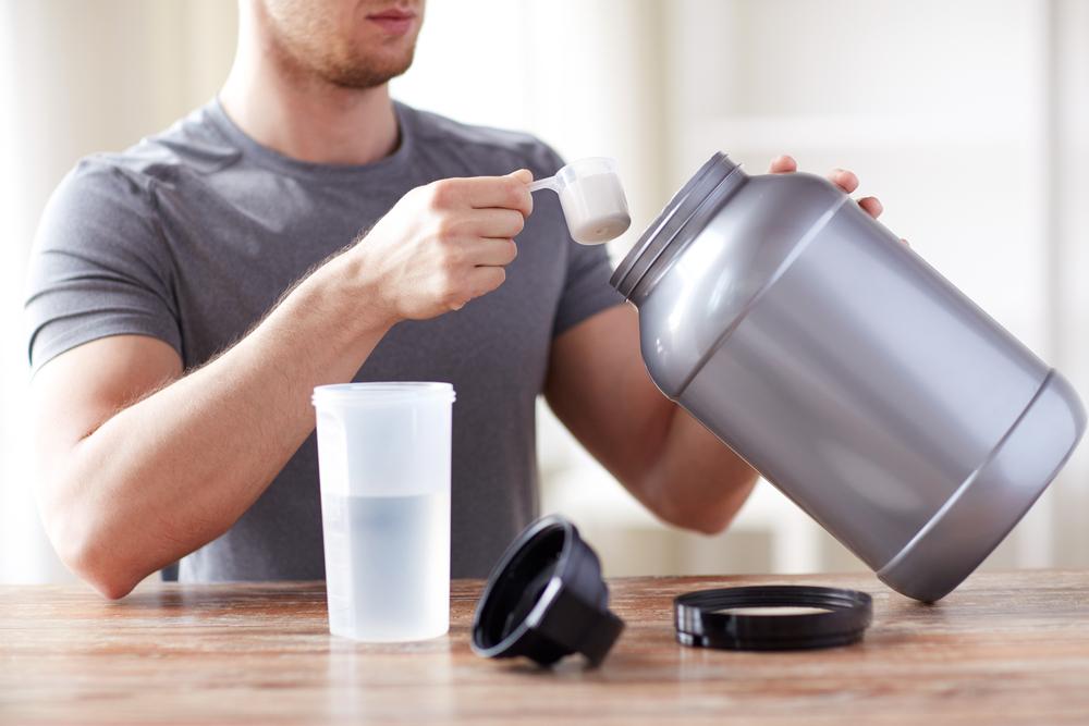 Los 4 mejores polvos de colágeno para hombres que cuidan a los músculos del desgaste