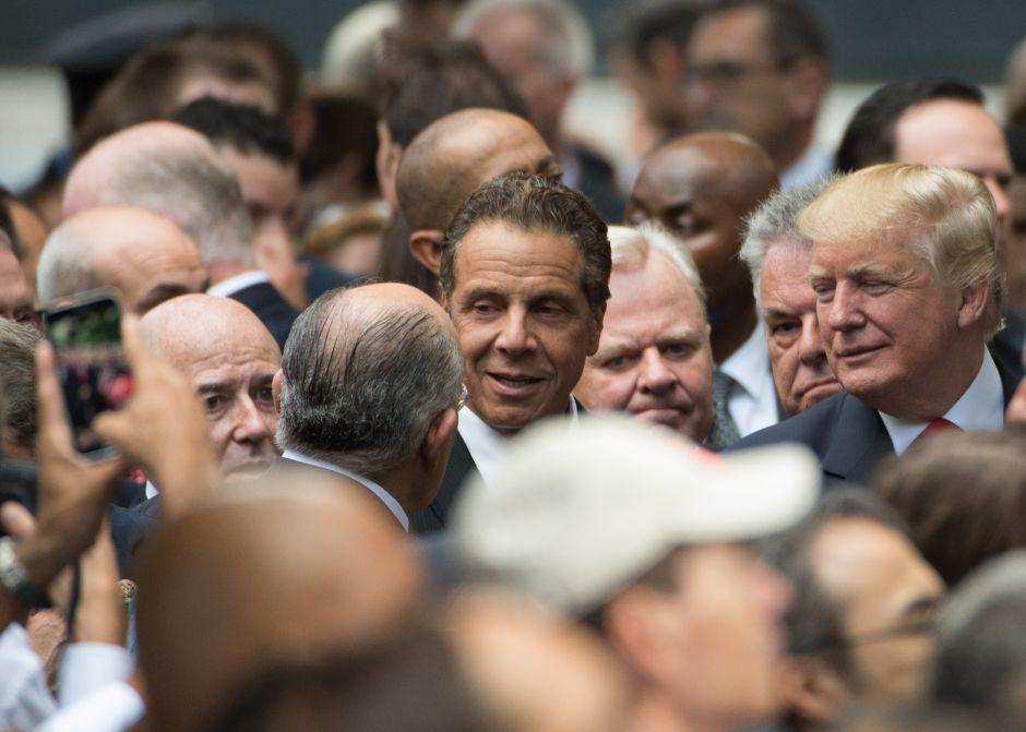 Gobernador de Nueva York acusa a Trump de no hacer nada contra la violencia de las armas