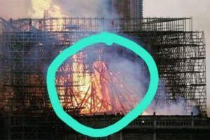"""Una mujer dice que pudo ver la """"silueta de Jesús"""" en el incendio de Notre Dame en París"""