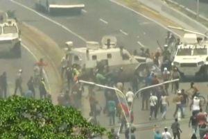 Leopoldo López fue liberado, régimen de Maduro reprime a ciudadanos
