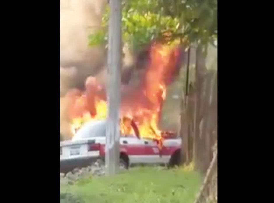 VIDEO: Narcos queman vivo a taxista en Veracruz, México