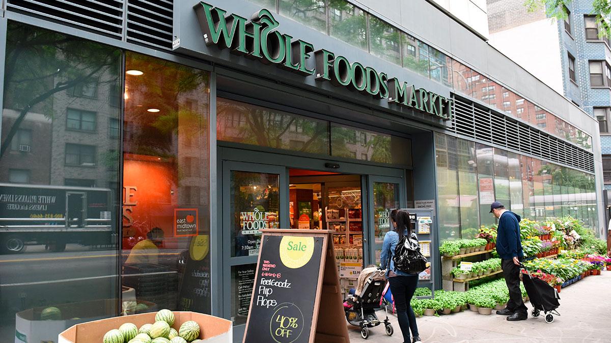 Gerentes en tiendas de Whole Foods pueden ganar más de $100,000 sin necesidad de universidad