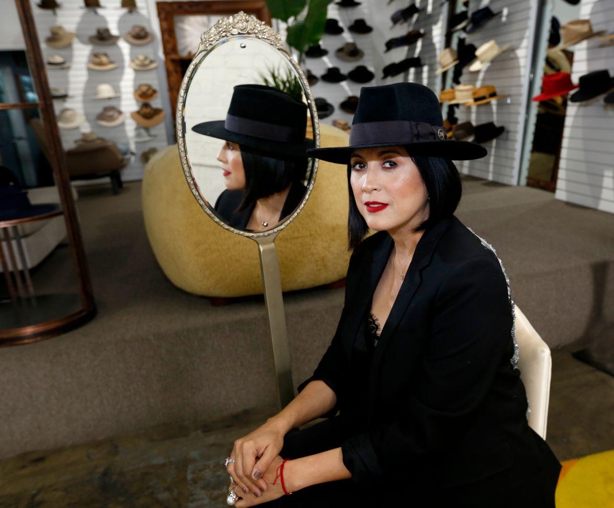 Una mexicana es la sombrerera de las celebridades de Hollywood