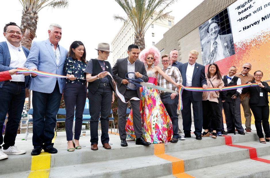 Parque dedicado a la comunidad LGBTQ+ es re-inaugurado en Long Beach