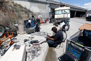 Geografía 'homeless': de las aceras de Skid Row a los hogares sobre ruedas de San Fernando