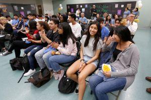 Distrito escolar de Newport Beach y Costa Mesa frena el regreso a las aulas de los estudiantes de secundaria
