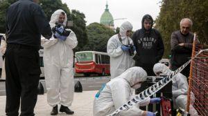 Balean en Argentina a un diputado frente al Congreso en Buenos Aires y muere su asesor por los disparos