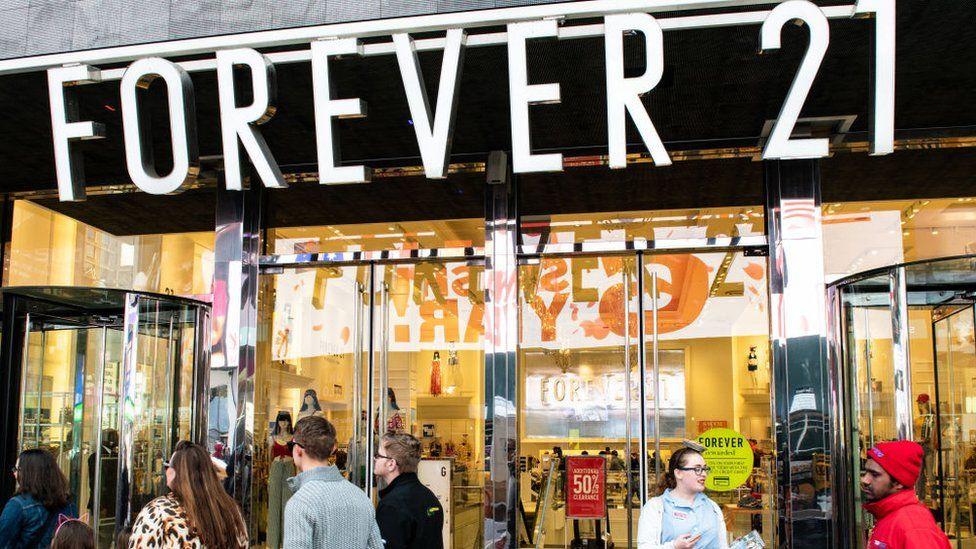 Forever 21: la cadena de moda creada por inmigrantes se acerca a una posible bancarrota