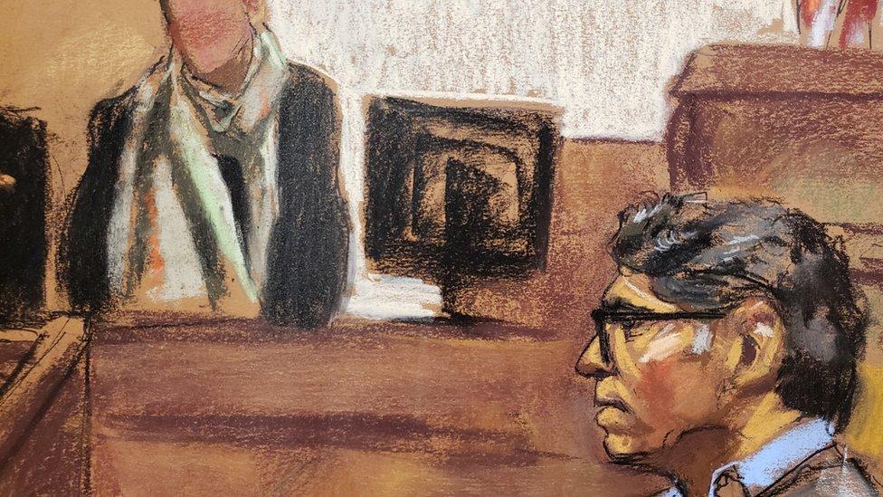 Raniere enfrenta su juicio en Nueva York.