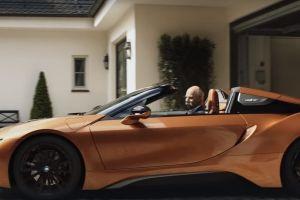 BMW se burla de Mercedes-Benz...