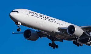 Se negó a leer las instrucciones de seguridad aérea y la sacaron del vuelo