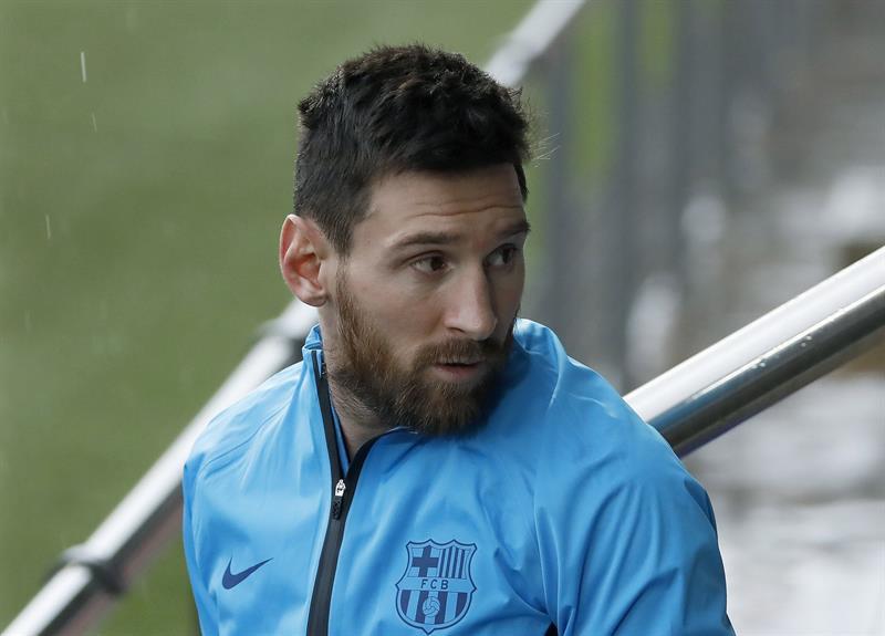 Aficionados quieren a Messi fuera de la Champions y recaudan firmas
