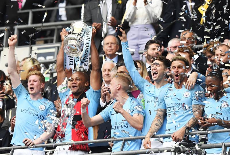 Manchester City logra inédita hazaña en Inglaterra en una sola temporada