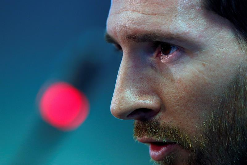 A Messi, ni la Bota de Oro le levanta el ánimo tras la debacle en la Champions League