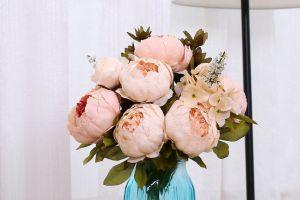 8 decoraciones florales artificiales para tener en casa si eres alérgica a las flores
