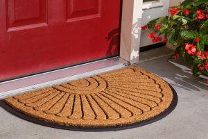 8 alfombras de exteriores que podrás poner en la entrada de tu casa en primavera