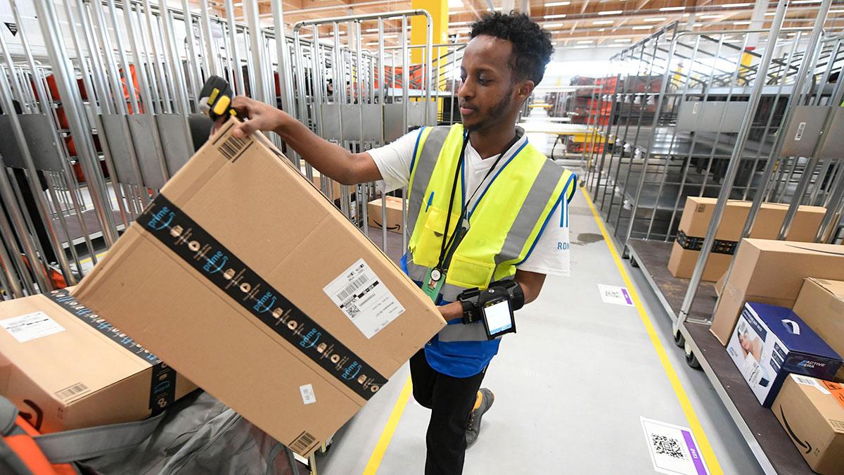 Amazon dará $10,000 a empleados que renuncien e inicien su negocio de entregas de paquetes