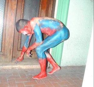 Cártel del Noreste pinta de Avengers a sus víctimas y las obliga a caminar desnudas en Tamaulipas