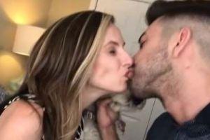 Youtuber que besó en la boca a supuesta hermana vuelve a la carga...¡besando a su MADRE!
