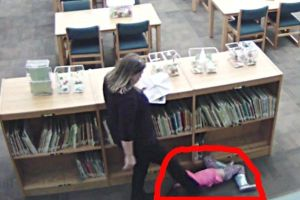 Captan a una maestra pateando a niña de 5 años en video de seguridad