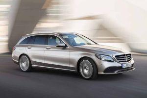 ¿Espionaje? Mercedes confiesa que dejó dispositivos rastreadores en miles de sus autos