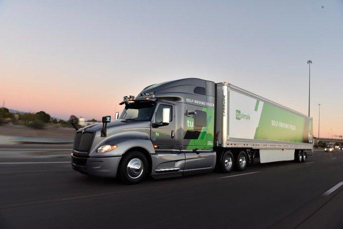 TuSimple ya opera 15 camiones en Estados Unidos