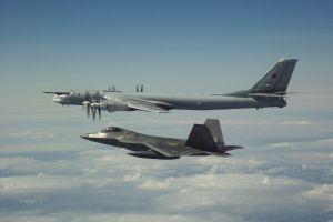 Fuerza aérea de Estados Unidos intercepta aviones de combate rusos por segundo día