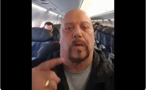 """Rayo impacta el avión donde viajaba el """"Perro"""" Bermúdez y así lo vivió"""