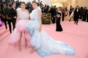 ¡Cómo han crecido!: Las bellas gemelas de Julio Iglesias deslumbraron en la Gala del Met