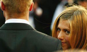 Filtran imágenes de Jennifer Aniston engañando a Brad Pitt con uno de sus compañeros de Friends