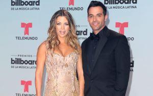 Ximena Duque expone en Instagram que su esposo, Jay Adkins, es víctima de extorsión