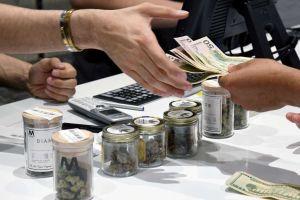 El condado de Los Ángeles planea cerrar negocios de cannabis ilegales