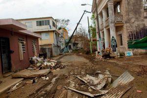 Estados Unidos paralizó a propósito fondos de ayuda a Puerto Rico para huracanes