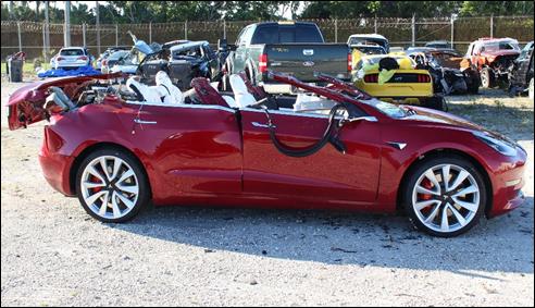 Luego de accidente, fallece conductor de Tesla que manejaba en autopiloto