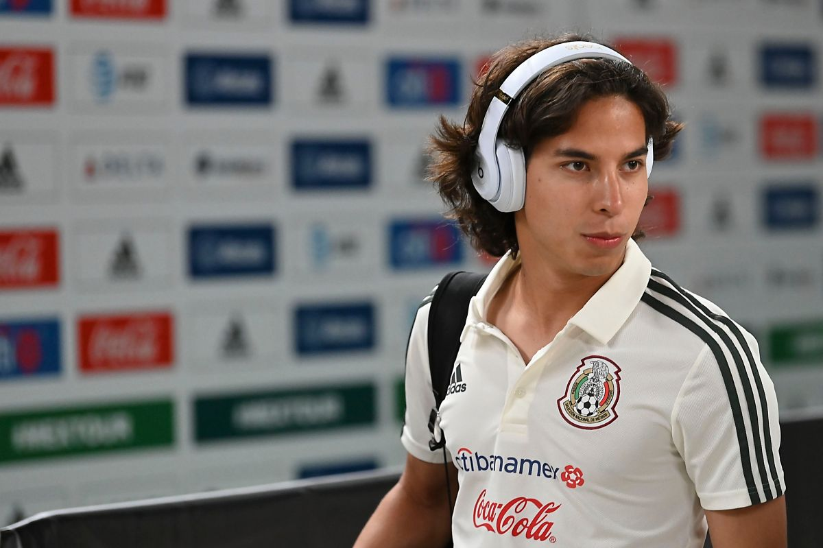 Diego Lainez no pudo mostrar sus habilidades ante el conjunto italiano