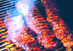 Cuidado con la carne para el asado: llaman a retirar 62 mil libras de carne cruda contaminada con E.Coli