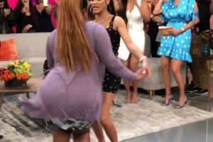 Natti Natasha sorprende a una fan que la reta a bailar con ella merengue