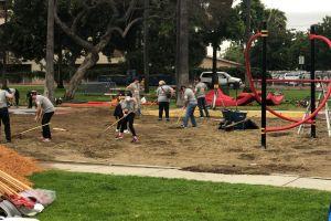 Construyen área de juego infantil en Compton