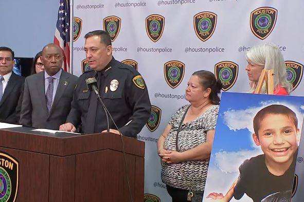 Han sido 3 años desde que el niño Josue Flores, de 13 años, fue apuñalado a muerte.