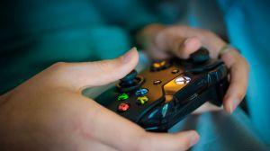Ellos ganan hasta $35,000 dólares la hora por jugar videojuegos