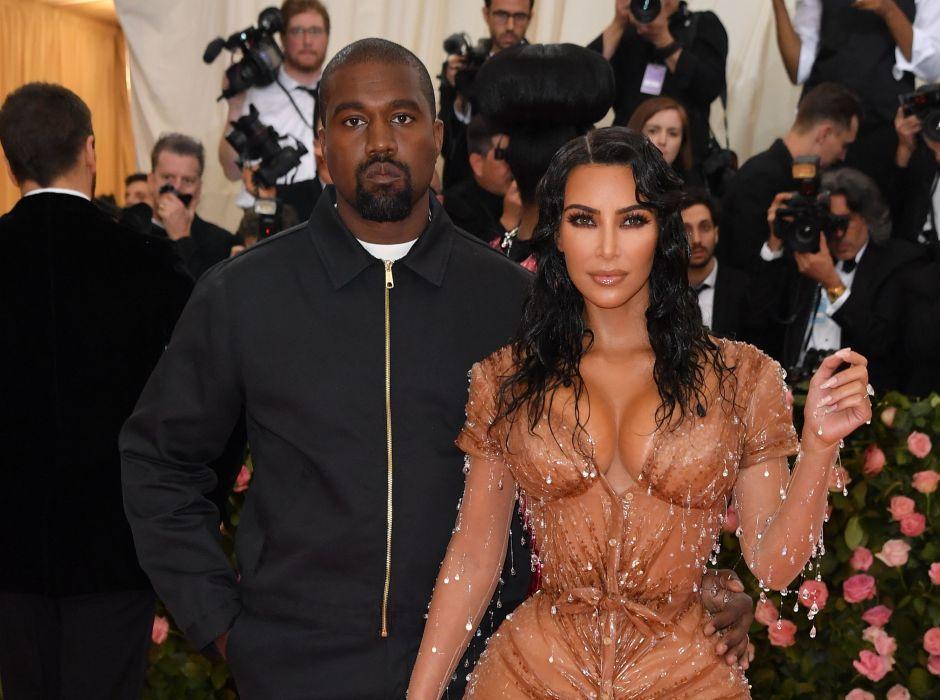 ¡Brutal! Kim Kardashian llega 'mojada' en vestido de latex a la Met Gala 2019
