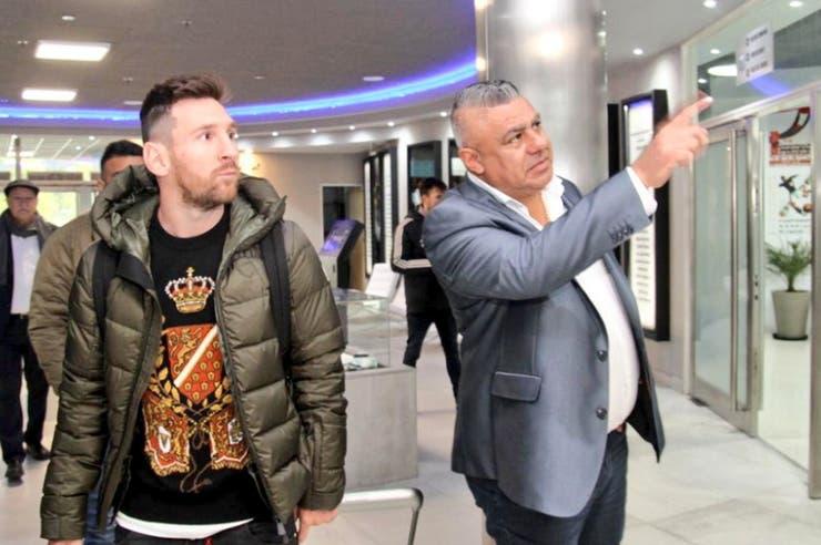 La niebla ya pasó: Messi llegó a Argentina, se unió a la selección y conoció a Menotti