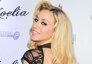 El video de Noelia sin sostén al aire libre dando besitos a sus fans