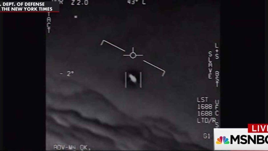 VIDEO: Pilotos militares graban ovnis volando sobre Estados Unidos