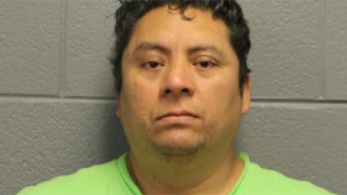 """Presunto abusador le dijo a una menor que el acto sexual """"liberaría sus hormonas"""" ahora enfrenta nuevos cargos"""